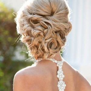 bridal hairstyle, but, this would be perfect for prom too. At Long
