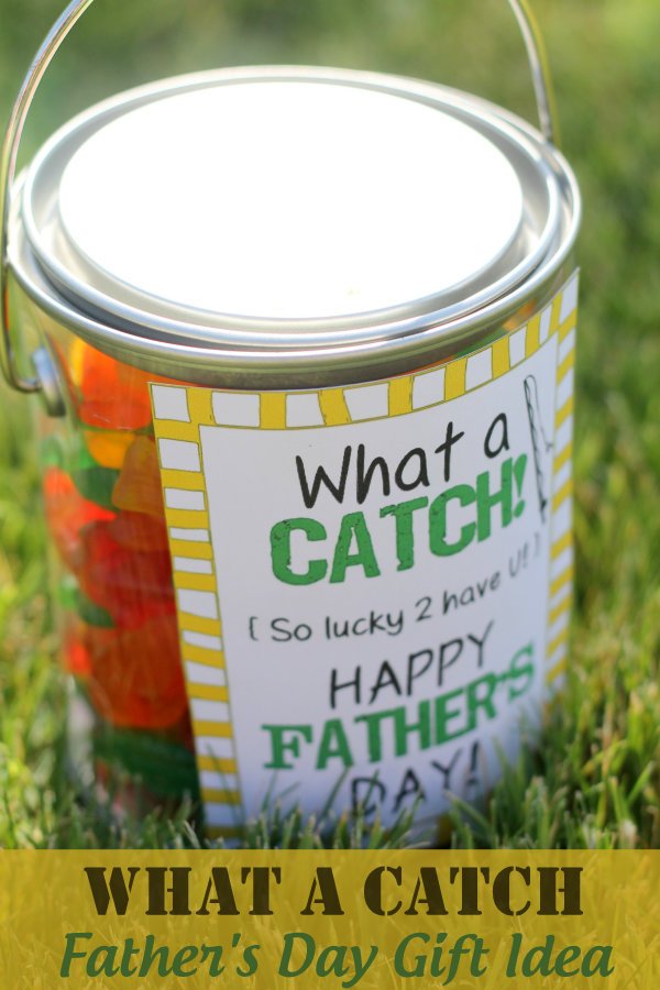 What-A-Catch-Fathers-Day-Gift-Idea-with-free-print-on-lilluna.com-