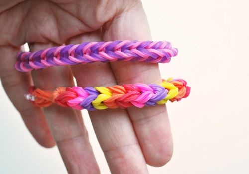Triple Fish Tail Rainbow Loom Bracelet Using Two Pencils