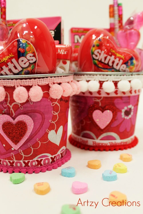 Containers with Candy4