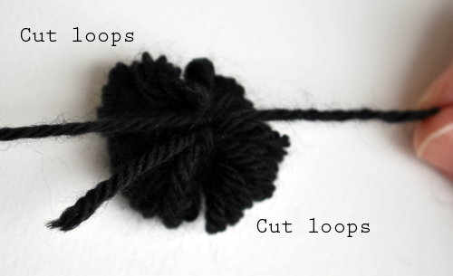 Pom Pom Necklace_06