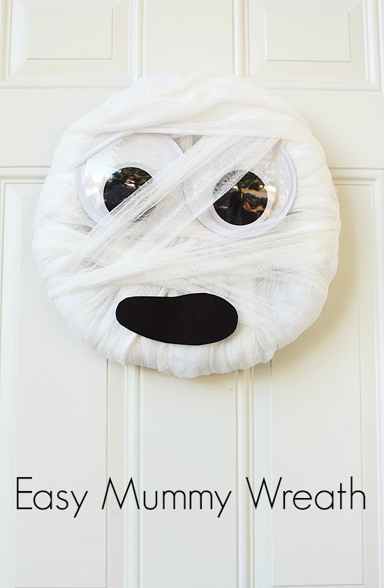 Easy DIY Mummy Wreath
