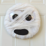 Easy Mummy Wreath