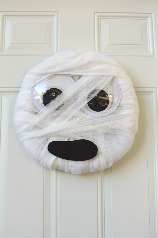Artzy Creations_Easy Mummy Wreath_Main4