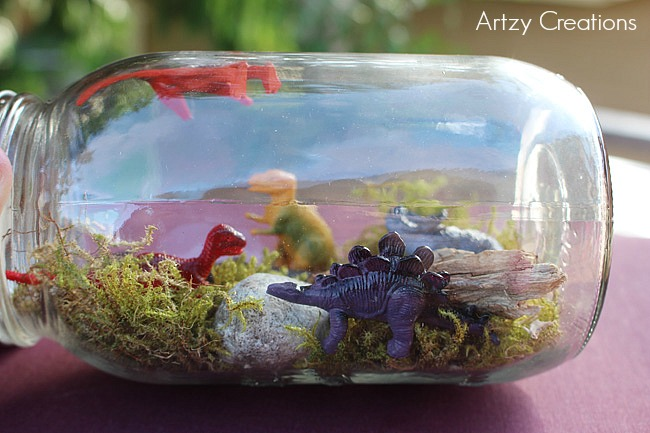 10 Minute-Dinosaur-Mason-Jar-For-Kids-Artzy Creations 6
