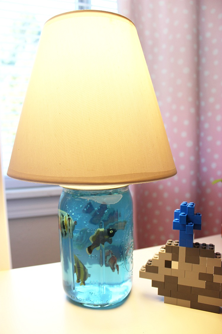 diy mason jar aquarium lamp for kids. Black Bedroom Furniture Sets. Home Design Ideas