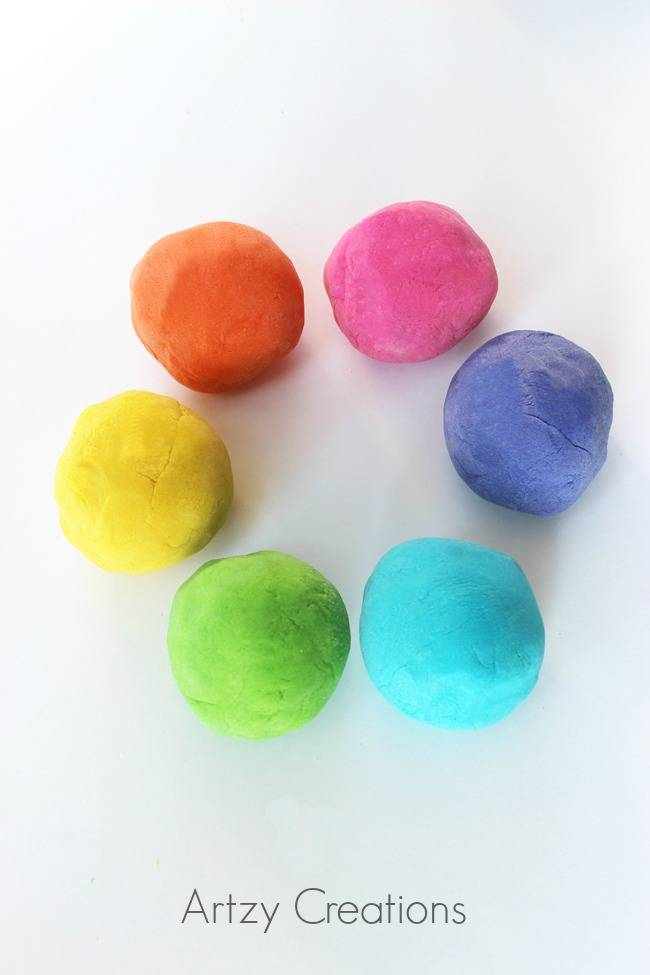 Homemade-Playdough-For-Kids-Artzy Creations 4