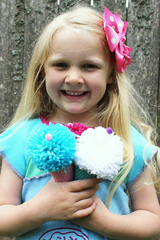 Pom-Pom-Ice-Cream-Cones-For-Kids-Artzy Creations 9
