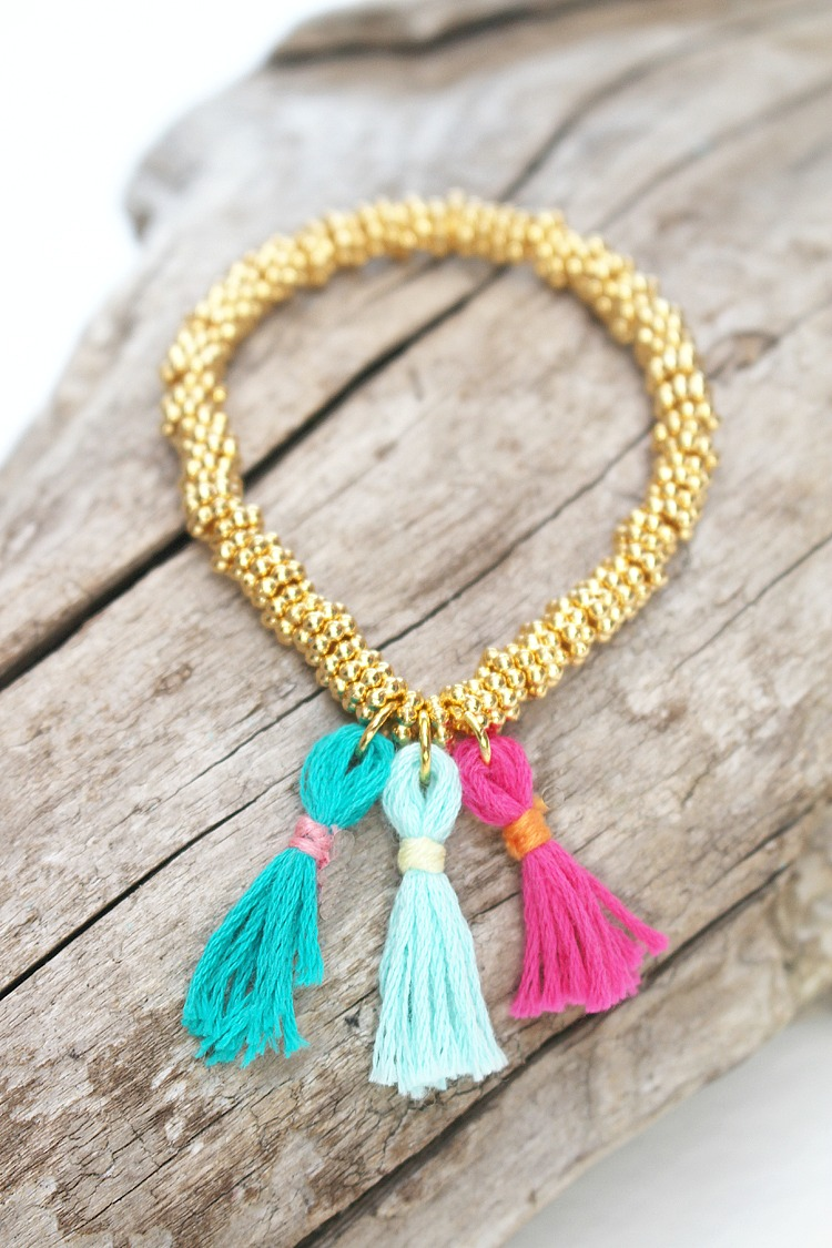 DIY-Mini-Tassel-Stretch-Bracelet-Artzy Creations 8a