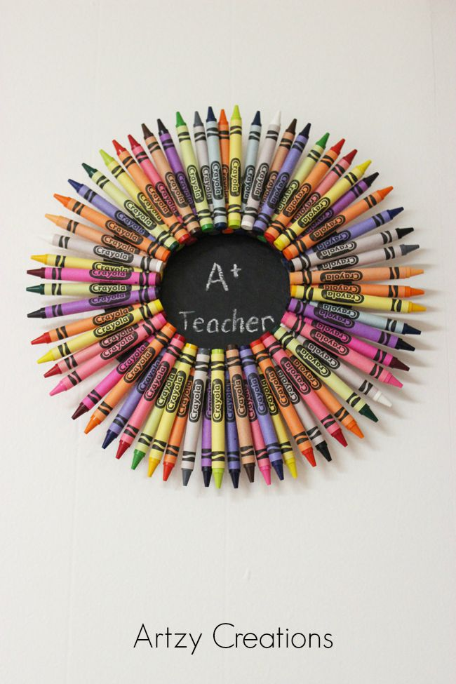 Teacher-Crayon-Wreath-Artzy Creations8