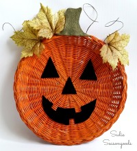 7_wicker_rattan_charger_paper_plate_holder_pumpkin_jack_o_lantern_door_hanger_Halloween_Sadie_Seasongoods