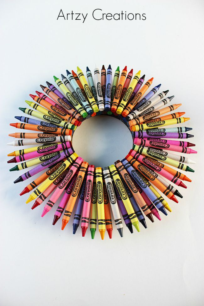 Teacher-Crayon-Wreath-Artzy Creations 4