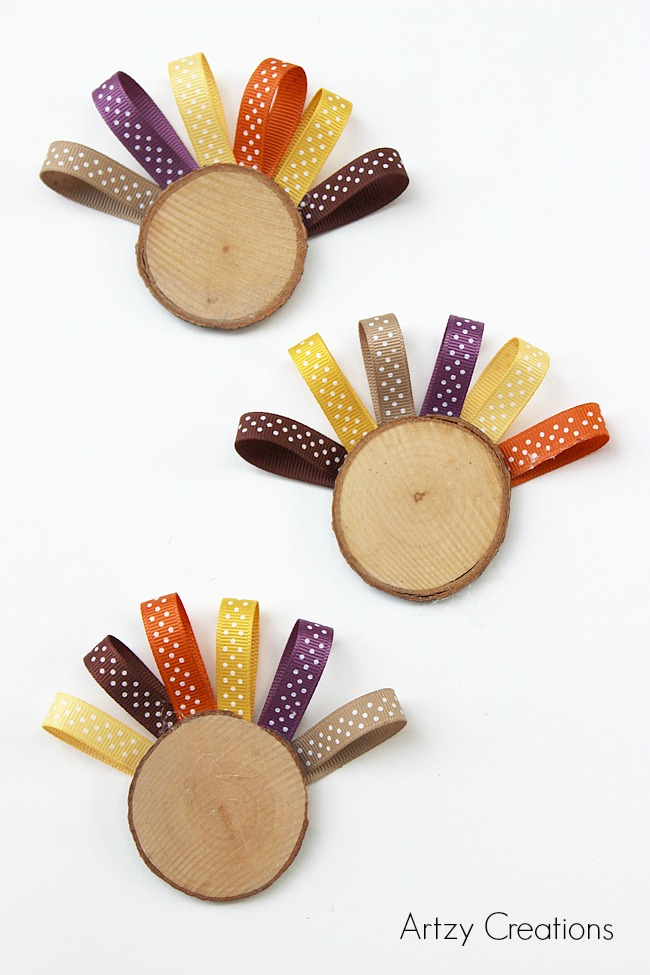 Wood Slice Turkeys for Kids-Artzy Creations 1