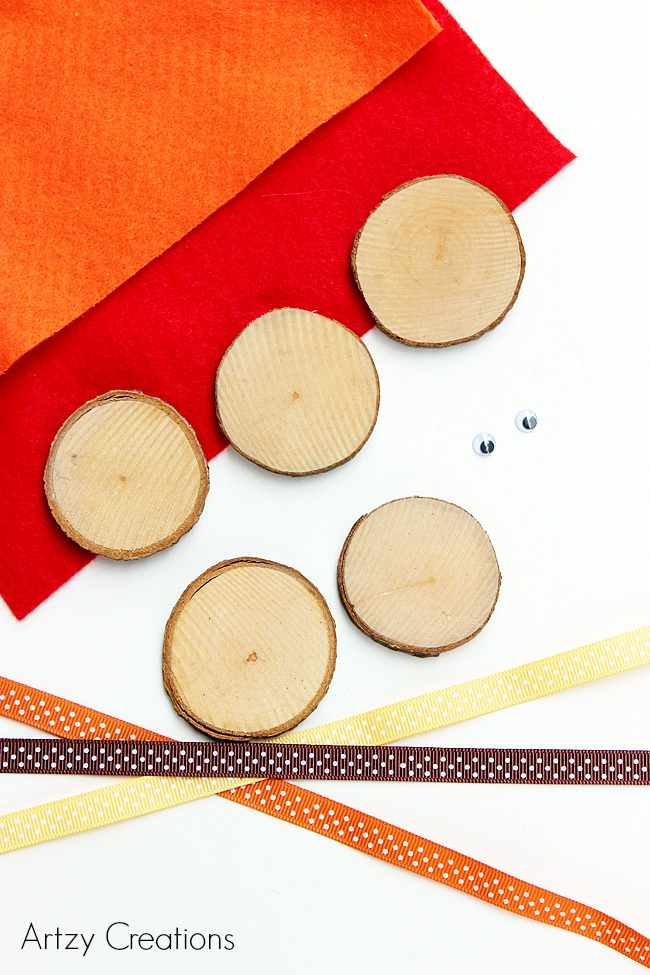 Wood Slice Turkeys for Kids-Artzy Creations